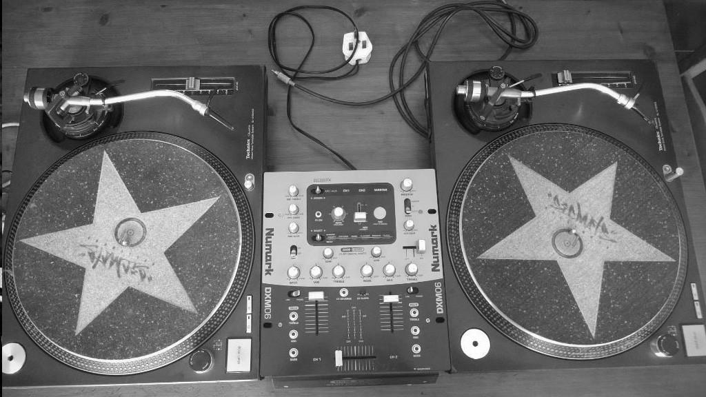 DJ-Blog-Technics-SL1200-MKII-Numark